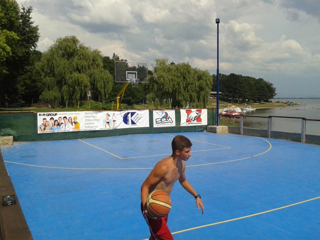 R+R summer streetball 2013