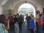 Sloveúčastníci konferencie počas prehliadky hradu v Mukačevenskí